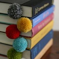 Pompom boekenlegger